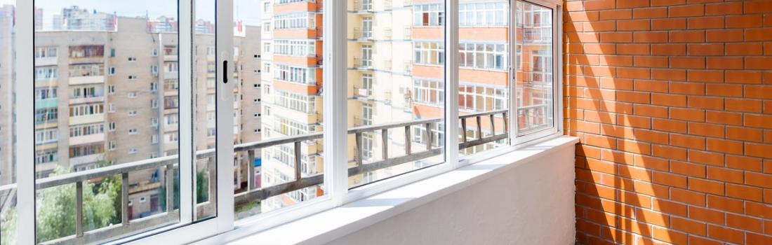 3 conseils pour le nettoyage de baies vitrées coulissantes